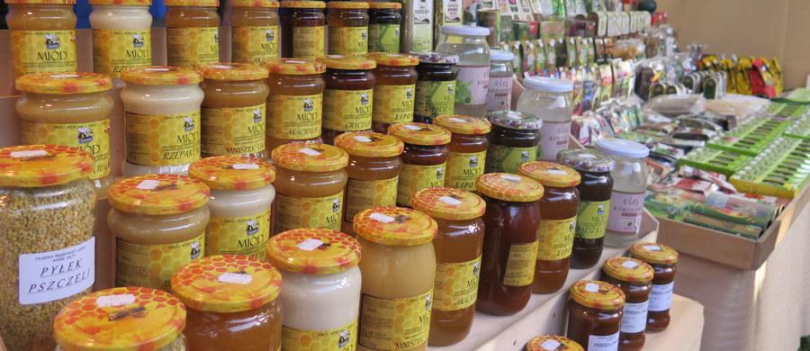 Czy można sobie wyobrazić Tatry i Podhale bez góralskiej kultury i charakterystycznych dla gór produktów regionalnych? Oczywiście, że nie, bo każdy region to ludzie go zamieszkujący, krajobraz i produkty z nim związane. Stąd pomysł promowanie tego, co mamy najlepsze - produktów wyjątkowych, czasami unikalnych - regionalnych.