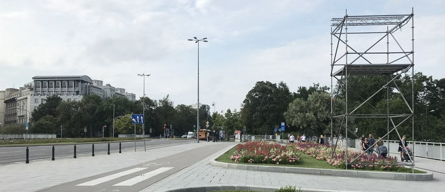 Półtora tysięcy żołnierzy, 60 samolotów i śmigłowców oraz dziesiątki pojazdów wojskowych będzie można zobaczyć jutro w Warszawie z okazji Święta Wojska Polskiego. Jak informuje reporter RMF FM, na miejscu trwają ostatnie przygotowania.