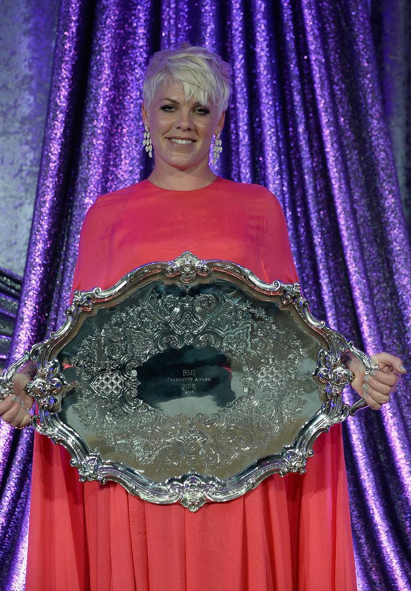 Pink otrzyma tegoroczną Michael Jackson Video Vanguard Award. Nagroda jest wręczana podczas rozdania MTV Video Music Awards w Los Angeles.