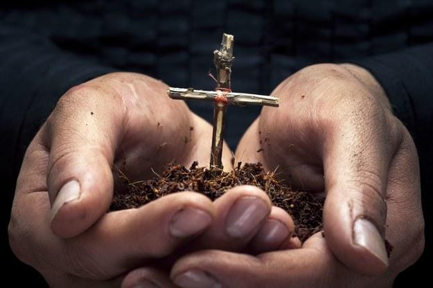 Makabryczne praktyki religijne, które nadal funkcjonują