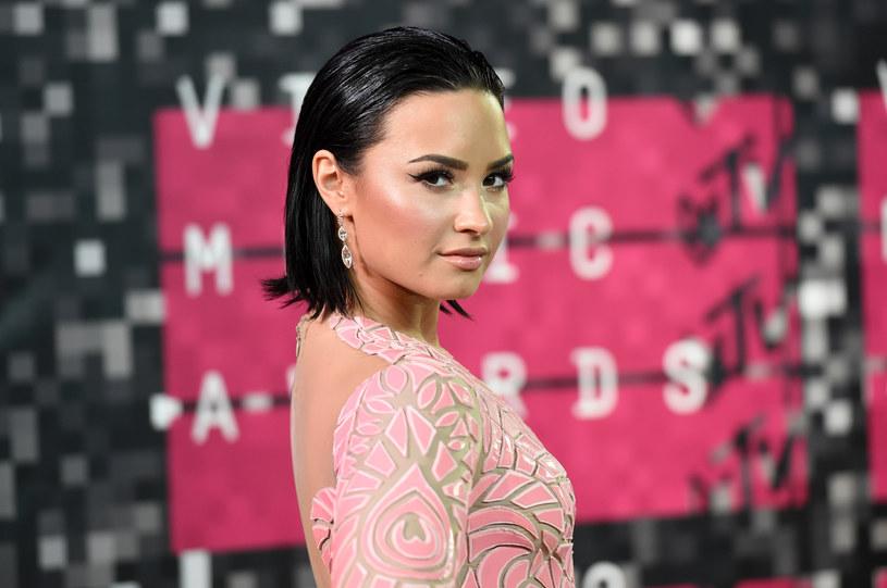 20 sierpnia Demi Lovato skończyła 25 lat. Z tej okazji przypominamy, w jaki sposób Demi Lovato wywoływała (czasami w sposób niezamierzony) zamieszanie wokół własnej osoby.