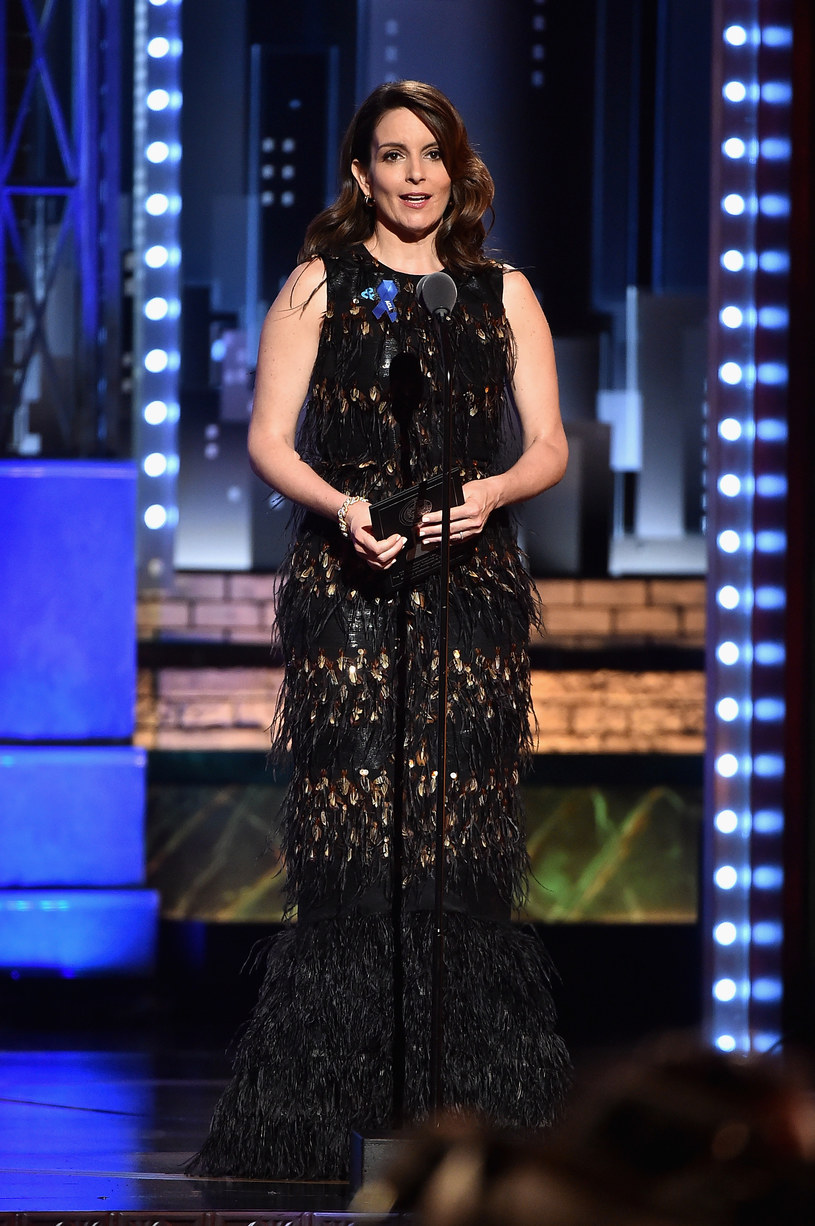 """Tina Fey, amerykańska aktorka i scenarzystka, pojawiła się w ramach gościnnego występu w komediowym programie """"Saturday Night Live"""" i mocno skrytykowała prezydenta Donalda Trumpa."""