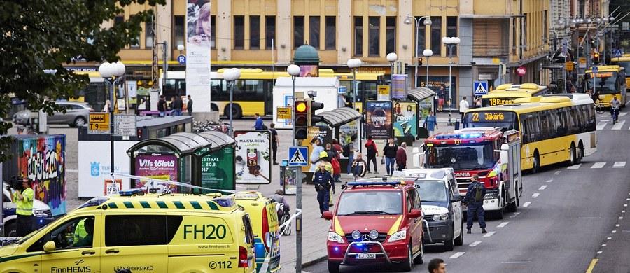 Nożownik z Turku podał fińskim urzędnikom fałszywe dane dotyczące swojej tożsamości. Prawdziwe nazwisko i wiek Marokańczyka zostały ustalone dzięki współpracy z siłami bezpieczeństwa innych krajów - poinformowała w niedzielę fińska policja kryminalna.