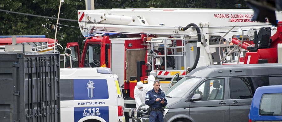 Fińska policja potwierdziła, że piątkowy atak nożownika w centrum Turku na południowym zachodzie kraju jest badany jako akt terrorystyczny. Napastnikiem był 18-letni Marokańczyk, który w ciężkim stanie przebywa w szpitalu. W ataku zginęły dwie osoby.