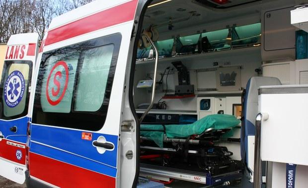 Policja i prokuratura wyjaśniają okoliczności wypadku, do którego doszło w Białymstoku. Kierowca auta osobowego potrącił śmiertelnie dwoje pieszych. W zatrzymaniu sprawcy pomogli taksówkarze.