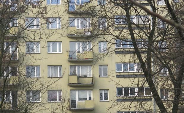Jest akt oskarżenia dotyczący korupcji w kilku spółdzielniach mieszkaniowych w Śląskiem. Chodzi o sprawy związane z przeprowadzaniem remontów. Zarzuty na razie postawiono szefom spółdzielni z czterech miast. Przed sądem staną też 2 osoby wręczające łapówki.