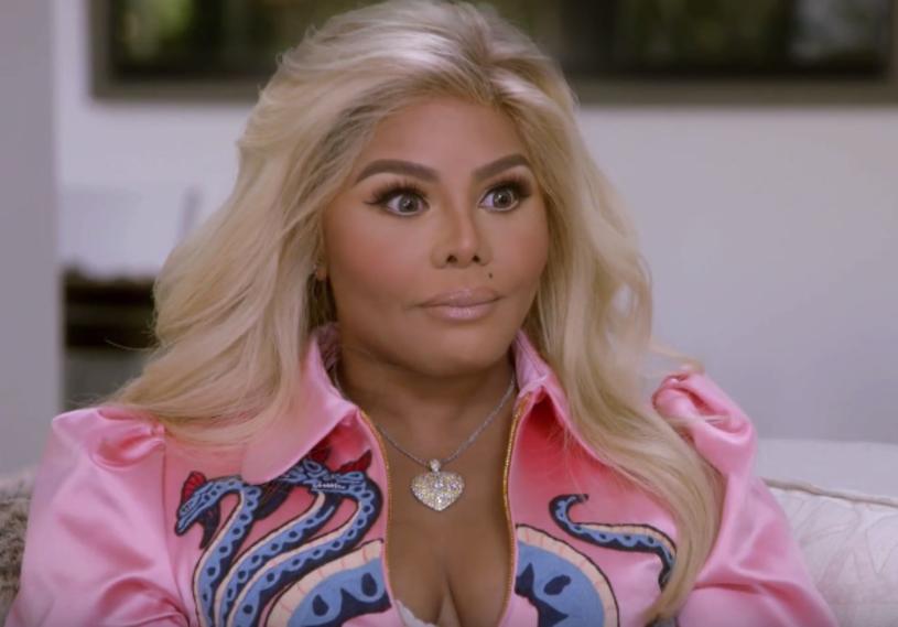 """Lil Kim' była gościem Tylera Henry'ego w programie """"Hollywood Medium"""". Z kim gospodarz show nawiązał kontakt i jak zareagowała na to raperka?"""