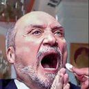 Zbrodnicze barwy nie przeszkadzały ministrowi Antoniemu Macierewiczowi