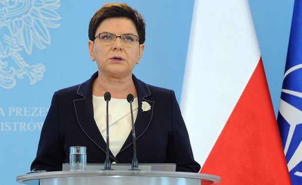 """Mam nadzieję, że Andrzej Duda zostanie prezydentem na drugą kadencję - powiedziała premier Beata Szydło w wywiadzie dla """"Super Expressu"""". """"Wywodzący się z naszego obozu Andrzej Duda jest dobrym prezydentem"""" - dodała."""