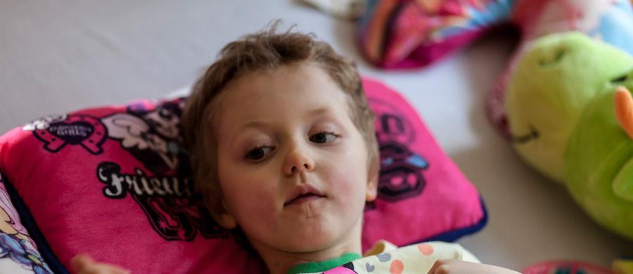 """8-letnia Laura jest 35. dzieckiem, które zostało uznane za wybudzone w Klinice """"Budzik"""". Tę informację podała na swojej stronie internetowej Fundacja Ewy Błaszczyk """"Akogo?""""."""
