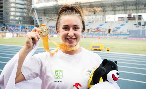 Malwina Kopron zdobyła złoty medal w rzucie młotem 29. Letniej Uniwersjady w Tajpej. Brąz w tej konkurencji wywalczyła Joanna Fiodorow. Z kolei po srebro sięgnęła drużyna kobiet w taekwondo. W sumie biało-czerwoni już 18 razy stawali na podium.