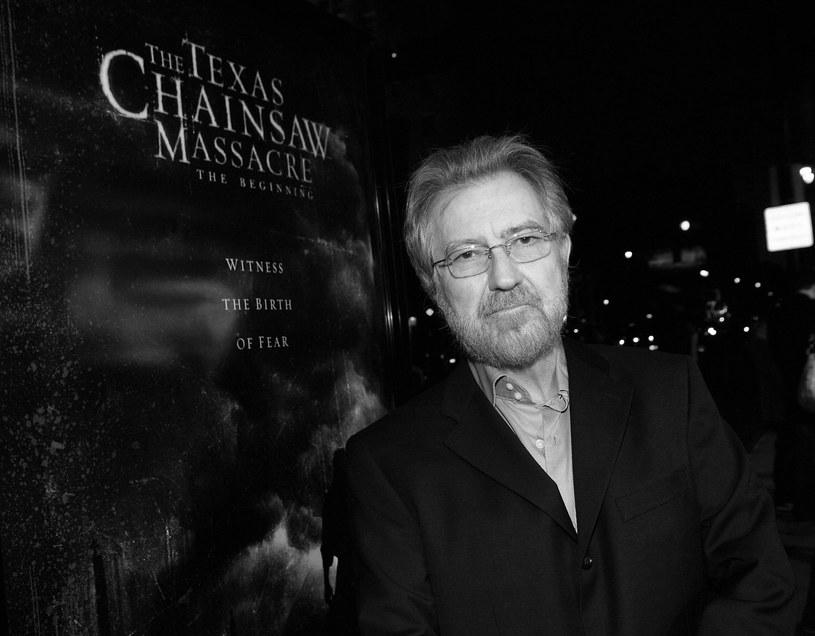 """W wieku 74 lat zmarł w Los Angeles Tobe Hooper, reżyser kultowych filmów """"Duch"""" z 1982 roku i """"Teksańska masakra piłą mechaniczną"""" z 1974 roku."""