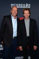 Aktor Bruce Willis (l) i producent filmowy Jerry Bruckheimer