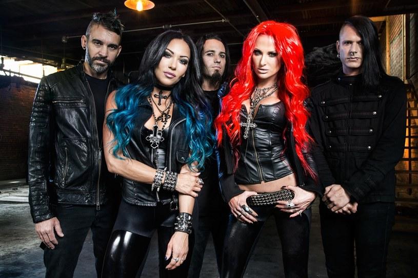 Kalifornijska grupa Butcher Babies ma już za sobą nagrania trzeciego albumu.