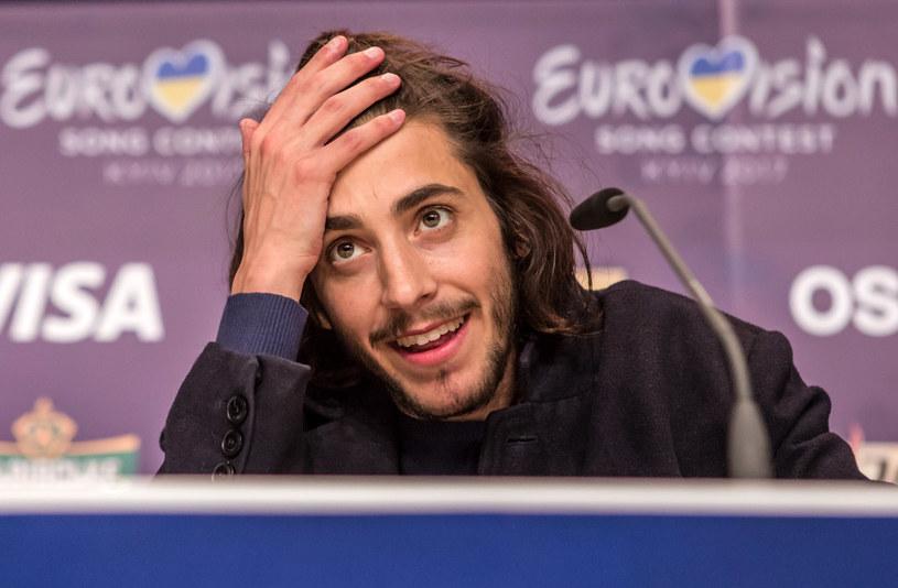 Zwycięzca tegorocznej Eurowizji Salvador Sobral, z powodu pogorszenia stanu zdrowia, odwołuje zaplanowane na przełom sierpnia i września koncerty. 27-letni muzyk choruje na serce.