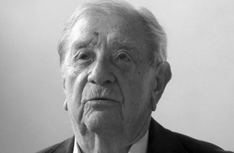"""Wybitny reżyser węgierski Karoly Makk, laureat Nagrody Jury w Cannes w 1971 r. za film """"Miłość"""", zmarł w wieku 91 lat - poinformowała w środę Akademia Literatury i Sztuki im. Szechenyiego, której był prezesem."""