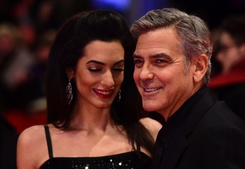 W wieku 56 lat George Clooney został ojcem bliźniąt. O swym nowym życiu opowiedział w rozmowie z agencją Associated Press. Rola ojca jest dla gwiazdora... przerażająca.