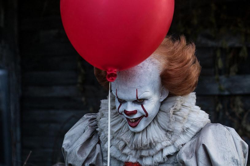 """Stephen King podniósł napięcie przed premierą nowej wersji horroru """"To"""". Pisarz przyznał, że nie był przygotowany na to, jak dobra okaże się adaptacja jego słynnej książki."""