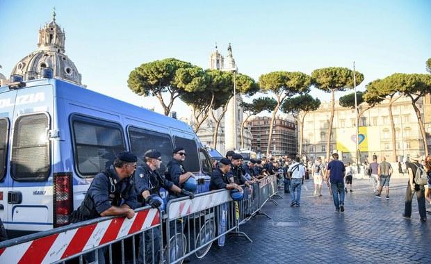 Ponad 27 tys. furgonetek sprawdzono w ostatnich dniach w pobliżu centrów miast we Włoszech. Kontrole zostały wzmożone po zamachu terrorystycznym w Barcelonie.