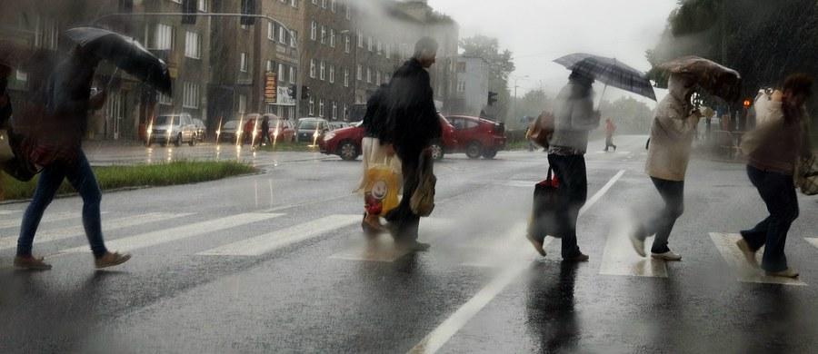 Pochmurno, deszczowo, z temperaturą poniżej 20 stopni - taka pogoda czeka nas w najbliższych dniach, a niewykluczone, że i tygodniach.