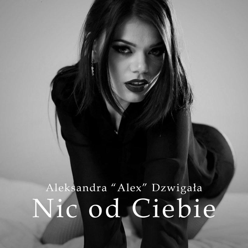 """Po dwuletniej przerwie nowy singel zaprezentowała Aleksandra Dzwigała, która dała się poznać jako 14-letnia dziewczynka w trzeciej edycji """"Must Be The Music""""."""