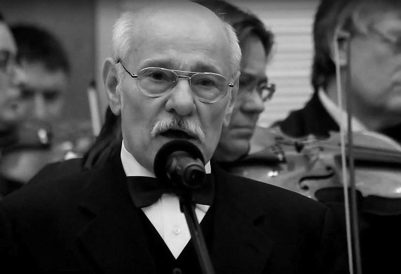 W środę w Warszawie pochowano aktora teatralnego i filmowego Leona Łochowskiego, który w trakcie słynnych mszy za ojczyznę odprawianych przez ks. Jerzego Popiełuszkę wykonywał pieśni religijno-patriotyczne. Artysta zmarł w wieku 79 lat.