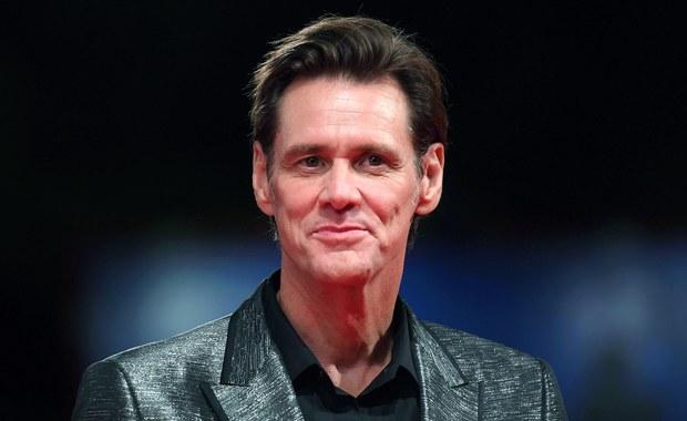 """Jim Carrey wyznał, że jest teraz w najbardziej kreatywnym momencie swojego życia. """"Filmy się kręcą, w przyszłym roku mam parę projektów, dostałem też kilka seriali, których jestem producentem"""" - przyznał gwiazdor na festiwalu w Wenecji."""
