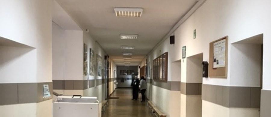 """Mogą być problemy ze sfinansowaniem dodatkowych zajęć dla chorych uczniów, którzy potrzebują dodatkowych zajęć w szkole - ostrzega ogólnopolski związek zawodowy pracowników poradni psychologiczno-pedagogicznych. """"Wprowadzono przepis, za którym nie idą pieniądze"""" - mówi RMF FM przewodnicząca Związku Zawodowego """"Rada Poradnictwa""""."""