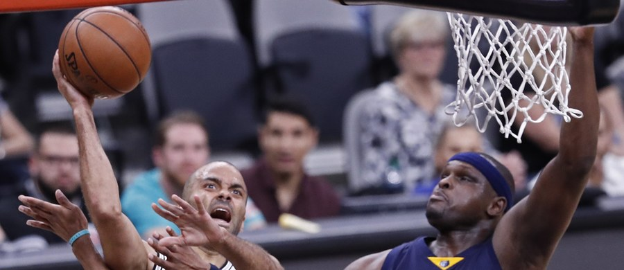 Zawodnik drużyny Sacramento Kings występującej w koszykarskiej lidze NBA Zach Randolph skazany został za posiadanie marihuany i próbę jej sprzedaży na 150 godzin pracy społecznej. Taką informację podał rzecznik prokuratury w Los Angeles Frank Mateljan.