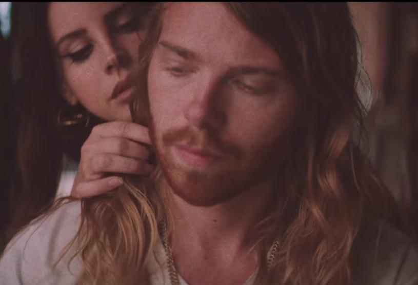 """Poniżej możecie zobaczyć kolejny teledysk Lany Del Rey z płyty """"Lust For Life"""" - """"White Mustang""""."""