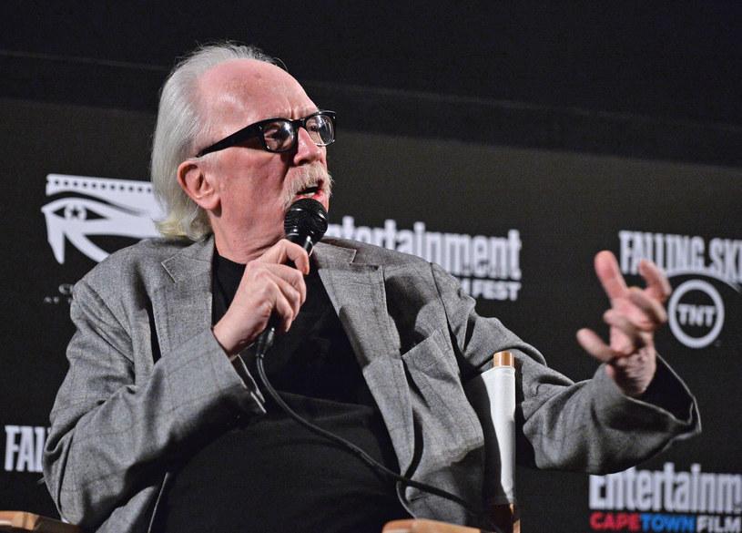 """John Carpenter powrócił do roli filmowca. Legendarny reżyser przedstawił swoje klasyczne dzieło """"Christine"""" w nowym, teledyskowym wydaniu."""