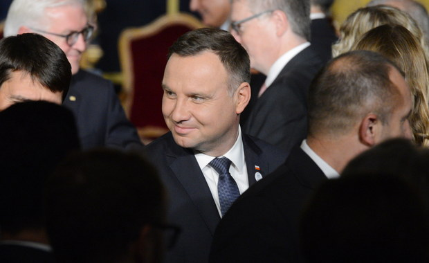 Prezydenci Polski i Niemiec, Andrzej Duda i Frank-Walter Steinmeier podczas rozmowy w Valletcie wyrazili przekonanie, że sprawa odszkodowań wymaga spokojnej dyskusji - poinformował PAP szef gabinetu prezydenta Krzysztof Szczerski.