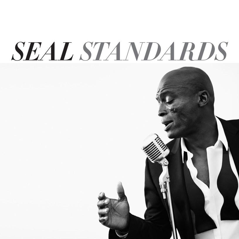 """10. studyjny album wokalisty Seala ukaże się 10 listopada. """"Standards"""" to hołd złożony takim legendom jak Frank Sinatra, Ella Fitzgerald czy Nina Simone."""
