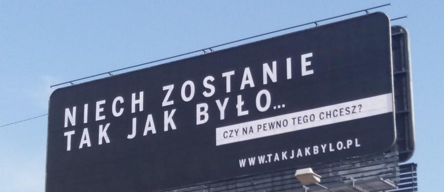 """Będą zmiany w zarządzie Polskiej Fundacji Narodowej - ustalili dziennikarze RMF FM. Powodem są między innymi kontrowersje dotyczące kampanii """"Sprawiedliwe sądy"""". W piątek ma się zebrać Rada Fundacji i wtedy można spodziewać się zmian."""