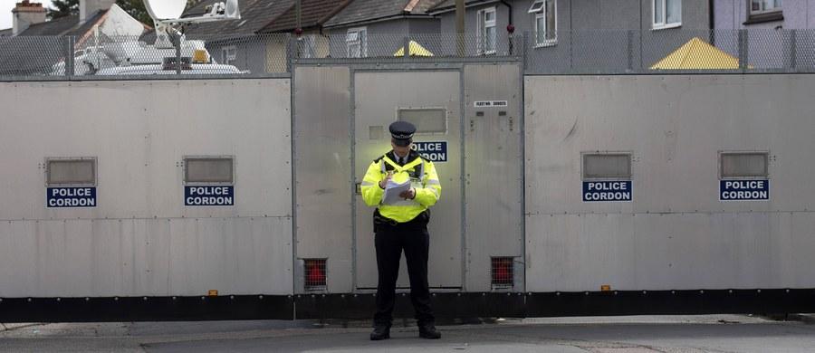 Blisko tydzień po zamachu bombowym w londyńskim metrze brytyjska policja zatrzymała szóstą osobę podejrzaną w tej sprawie - poinformował rano Scotland Yard. Do zatrzymania 17-latka doszło około północy w dzielnicy Thornton Health na południu Londynu.