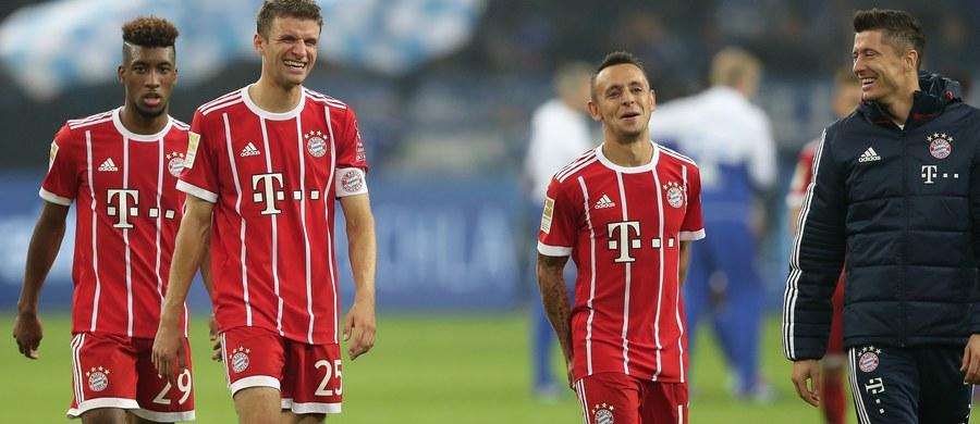 Kapitan polskiej reprezentacji Robert Lewandowski został nominowany przez FIFA i związek piłkarzy FIFPro do Drużyny Roku. Gracz Bayernu Monachium znalazł się w gronie 15 wybranych skrzydłowych i napastników. Wyniki plebiscytu będą ogłoszone 23 października w Londynie.