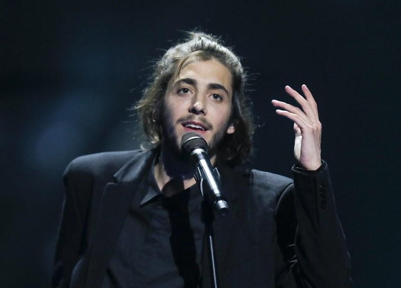 Zwycięzca tegorocznej Eurowizji Salvador Sobral trafił do szpitala. 27-letni muzyk, którego stan się pogorszył, oczekuje na przeszczep serca.