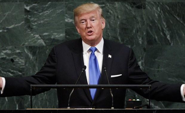 """Zgodnie z opublikowanym w czwartek badaniem opinii publicznej stacji NBC i gazety """"Wall Street Journal"""", poparcie dla prezydenta USA DonaldaTrumpa we wrześniu wzrosło po raz pierwszy od 7 miesięcy i wynosi 43 proc."""