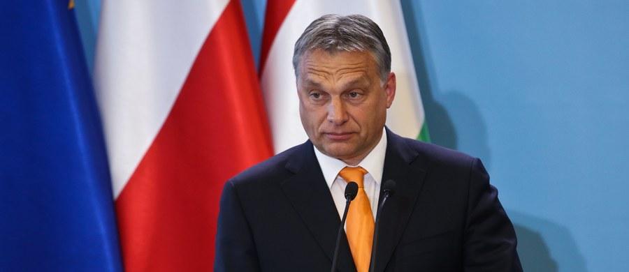 W piątek oficjalną wizytą w Warszawie złoży premier Węgier Viktor Orban. Spotka się on z premier Beatą Szydło, marszałkami Sejmu i Senatu, a także z liderem PiS Jarosławem Kaczyńskim. Rozmowy szefów rządów Polski i Węgier mają dotyczyć m.in. kwestii bezpieczeństwa oraz spraw unijnych.