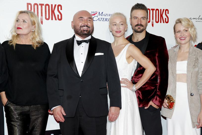 """Warszawska premiera filmu """"Botoks"""" przyciągnęła sporo gwiazd. Aktorzy opowiedzieli o bohaterach, w których wcielają się w najnowszej produkcji Patryka Vegi."""
