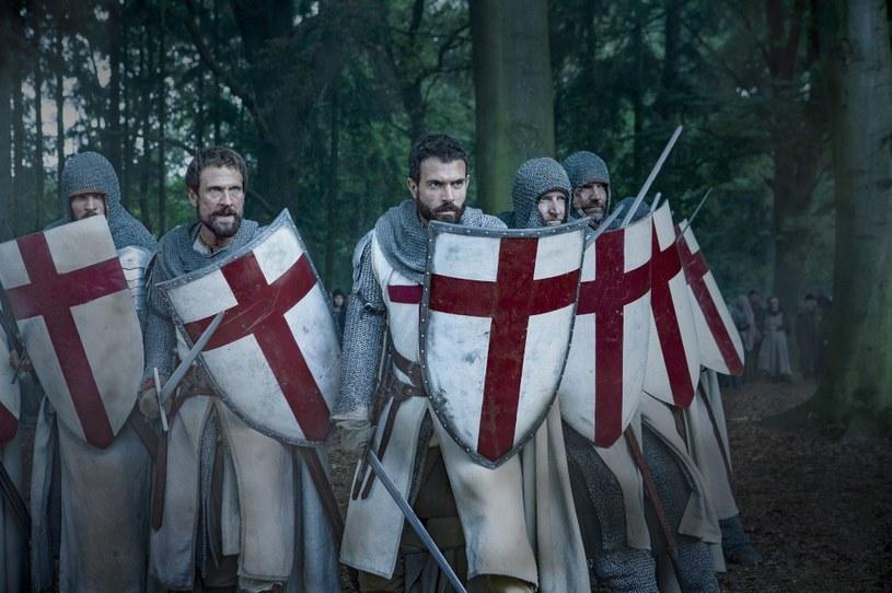"""Polska premiera nowego serialu kanału History """"Templariusze"""" odbędzie się 7 grudnia w serwisie HBO GO. Dzień później serial pokazany zostanie na antenie HBO. Dziesięcioodcinkowa produkcja przedstawi widzom kulisy średniowiecznej polityki oraz wojen toczonych przez templariuszy - najpotężniejszy, najbogatszy i najbardziej tajemniczy zakon rycerski wieków średnich, którego członkowie mieli strzec najświętszych relikwii chrześcijaństwa."""