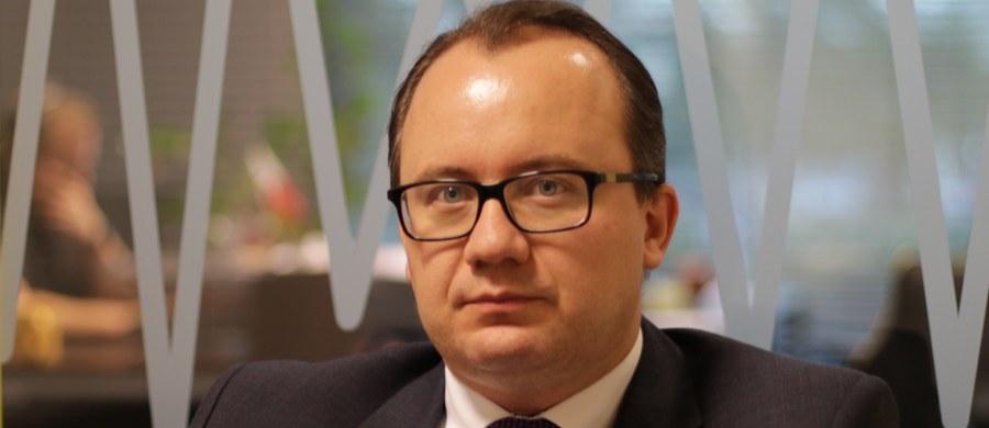 Nikt nie może być sędzią we własnej sprawie - tak Rzecznik Praw Obywatelskich uzasadnia oczekiwanie, że sędziowie Mariusz Muszyński i Henryk Cioch wyłączą się z postępowania w sprawie jego wniosku, dotyczącego trzech ustaw o Trybunale Konstytucyjnym.