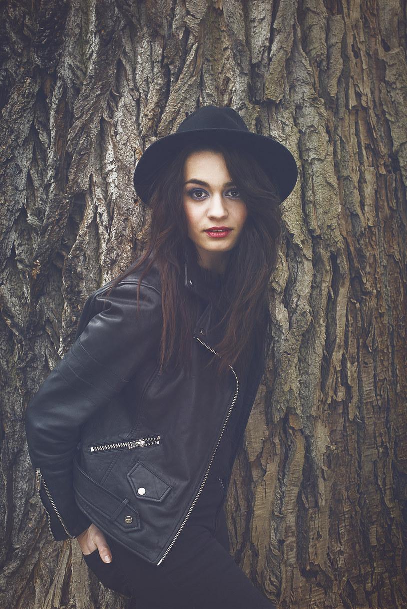 """Znana z """"The Voice of Poland"""" Ania Waraszko zaprezentowała drugi singel z debiutanckiej płyty """"Podróż"""". Poniżej możecie posłuchać utworu """"W tobie""""."""
