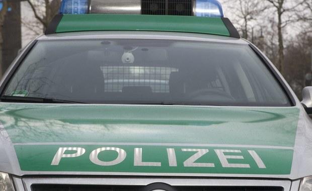 Co najmniej jedna osoba została ciężko ranna w zderzeniu minibusa z Polski z ciężarówką na niemieckiej autostradzie w pobliżu Lipska. Poszkodowany to Polak. Informację o wypadku dostaliśmy na Gorącą Linię RMF FM.