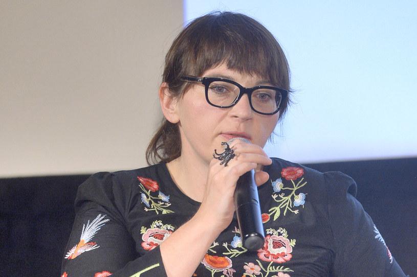 """Dyrektor Polskiego Instytutu Sztuki Filmowej Magdalena Sroka wyraziła """"szokujący pogląd"""" w liście do opiniotwórczego środowiska amerykańskiego, a to oznacza utratę zaufania do niej i konieczność jej odejścia ze stanowiska - powiedział w poniedziałek, 9 października, wiceminister kultury Jarosław Sellin."""
