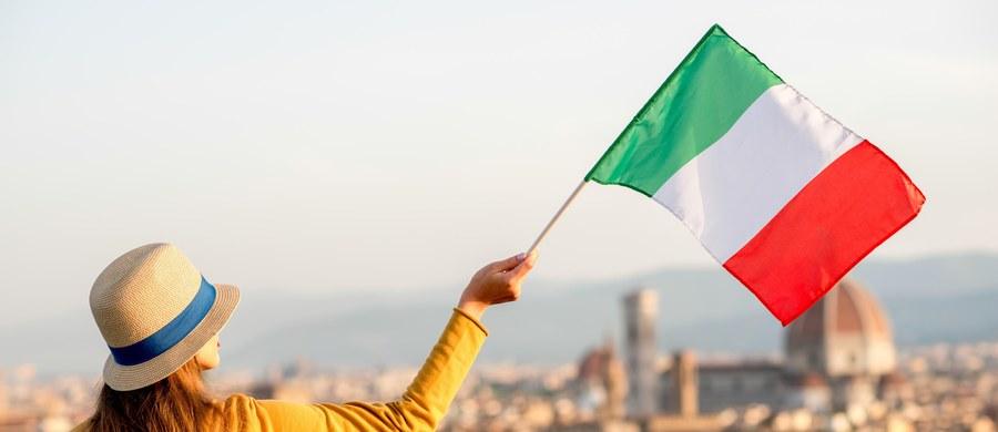 Co trzeci Włoch chciałby wyjścia swego kraju z UE i strefy euro - wynika z sondażu Laboratorium Analiz Politycznych Uniwersytetu w Sienie i Instytutu Spraw Międzynarodowych. Ukazują one zmiany w spojrzeniu Włochów na wyzwania stojące przed ich krajem.