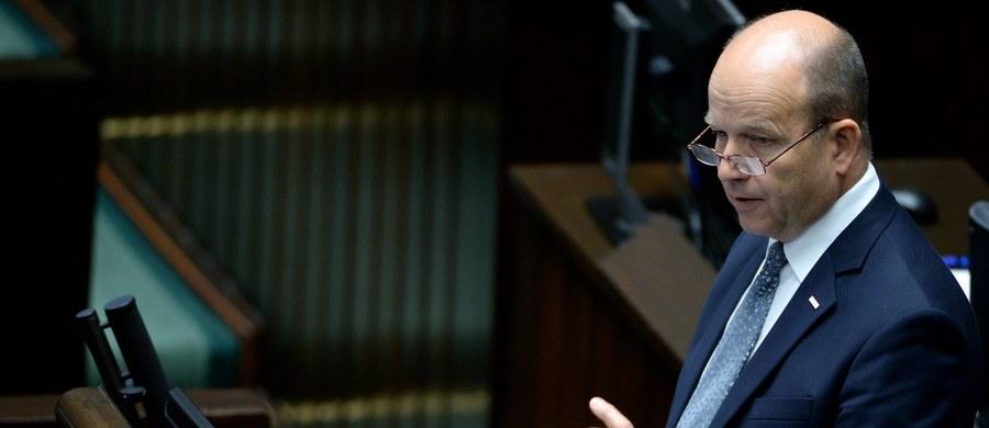 Minister zdrowia Konstanty Radziwiłł przedstawił w Sejmie w imieniu rządu informację w sprawie protestu głodowego lekarzy rezydentów, trwającego od 2 października. Wniosek o to złożył klub Platformy Obywatelskiej.