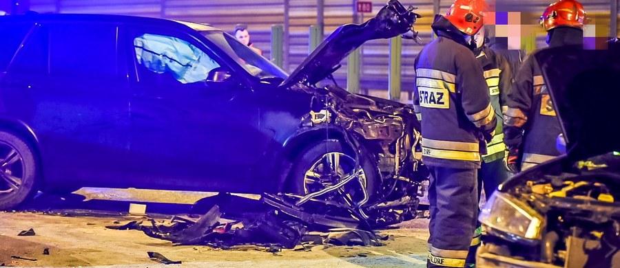 Kierowca żandarmerii wojskowej nie stawił się  w Prokuraturze Okręgowej w Poznaniu na przesłuchaniu ws. wypadku z udziałem ministra obrony Antoniego Macierewicza. Prokuratura potwierdza, że miały mu zostać przedstawione zarzuty.