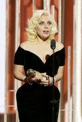 Lady Gaga pomyliła Islę Fisher z Amy Adams