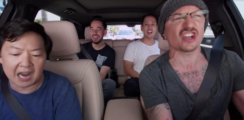 """Do sieci trafił właśnie odcinek """"Carpool Karaoke"""" z udziałem muzyków Linkin Park nakręcony na kilka dni przed samobójczą śmiercią Chestera Benningtona."""